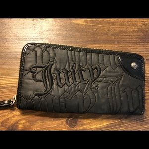 Juicy Couture zipper wallet